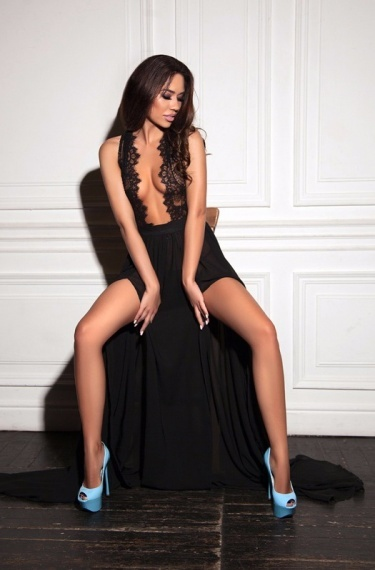 Aria, stunning Russian escort in Rome for sex