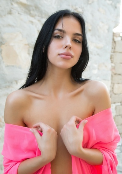 Danna, stunning Russian escort in Rome for sex