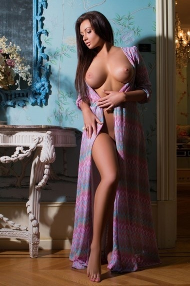Lona, beautiful Russian escort who offers company in Rome