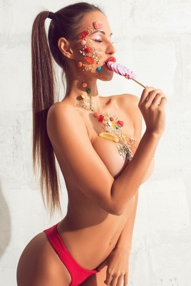 Arina, beautiful Russian escort who offers french kissing in Rome